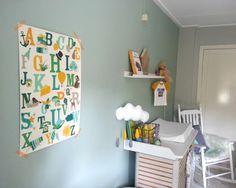 Amazingly pretty babyroom with Oktoberdots Alphabet poster by Moniek Geerts (photo by Moniek)
