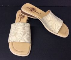 19.79$  Watch here - http://vizyy.justgood.pw/vig/item.php?t=cnhgno34328 - TOMMY BAHAMA Women's Leather Beige Slides Sandals Shoes Size 7