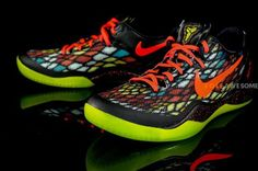 Christmas Kobe 8's    These colors are ridiculous!!
