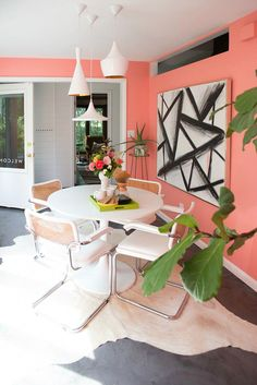 Fall in love with the most stunning place for all mid-century modern lovers: Palm Springs Coral Home Decor, Retro Home Decor, Home Decor Bedroom, Living Room Decor, Bedroom Modern, Midcentury Modern, Modern Patio, Decor Interior Design, Interior Decorating