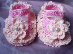 Crochet baby booties: My Creation for baby girls