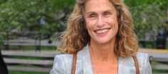 [En direct] Lauren hutton, 73 ans, casse la baraque dans la nouvelle campagne bottega veneta (photos) - Au feminin @aufeminin