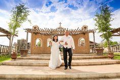 Rancho La Mission wedding in San Antonio, Texas. Photo by Dos Kiwis Studios via San Antonio Weddings.