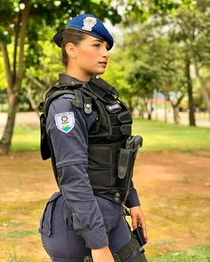 Military Girlfriend, Military Police, Human Poses Reference, Female Soldier, Military Women, Girls Uniforms, Badass Women, Ms Gs, Armed Forces