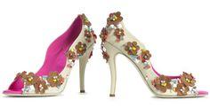 Image from http://blog.purentonline.com/wp-content/uploads/2010/11/roger-vivier-new-heels-pink-white-peep-toe-flower-shoes.jpg.
