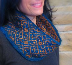 Twelfth Knit is a doubly-thick cowl inspired by the brocade patterns of the Elizabethan Period and from a costume worn by actor Marc Rylance in his performance in Shakespeare's Twelfth Night. Knitting Stitches, Hand Knitting, Double Knitting, Knit Cowl, Knit Crochet, Yarn Thread, Teal And Gold, Brocade Fabric, Knitting Accessories