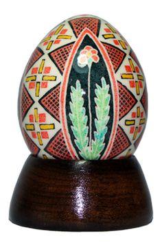 Pêssanka tradicional em ovo de garnisé.