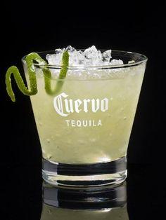 Margarita : 5 cl de tequila Ajouter à mes ingrédients3 cl de triple sec (cointreau, grand marnier) Ajouter à mes ingrédients2 cl de jus de citrons verts.