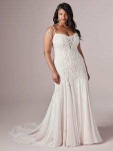 Rebecca Ingram Corrine wedding dress, Georgette chiffon Bodice with beaded and sequined embroidery Plunging illusion neckline Beaded spaghetti straps Plus Wedding Dresses, Wedding Dress Trends, Plus Size Wedding, Wedding Dress Styles, Bridal Dresses, Wedding Gowns, Modest Wedding, Lace Mermaid Wedding Dress, Mermaid Dresses