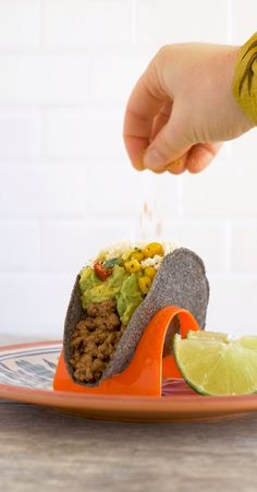 Bring the flavors of a Mexican classic dish to homemade tacos. It's the perfect way to upgrade your tacos for Cinco de Mayo. Ingredients: 3 c. corn, cut from the cob 1 can Ortega Diced Jalapeños 2 tbsp, 2 green onions, sliced 1 handful cilantro, chopped 1 tbsp. lime juice 2 tbsp. crumbled cotija (or queso fresco or feta) Ortega Taco Seasoning to taste Directions: Mix all ingredients together besides taco seasoning in a bowl . Top taco with corn mixture, then sprinkle with Ortega Taco… Feta, Nibbles For Party, Mexican Food Recipes, Ethnic Recipes, Corn On Cob, Homemade Tacos, Fresco, World Recipes, Cinco De Mayo