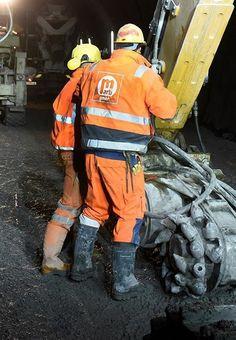 Hi Vis Workwear, Working Man, Construction Worker, Hard Hats, Work Wear, Motorcycle Jacket, Hot Guys, Coal Miners, Outdoors