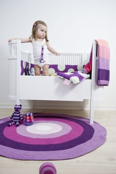 Nice crib and colors