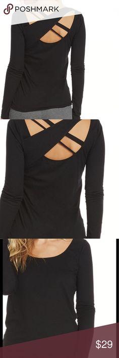FABLETICS BLACK YOGA TOP SIZE XS FABLETICS black yoga top size XS Fabletics Tops Tees - Long Sleeve