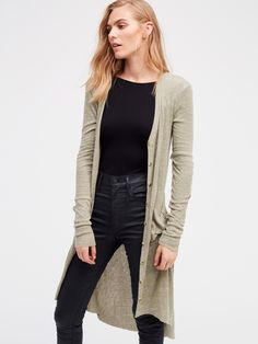 Ribbed Up Maxi Cardigan | Lightweight ribbed maxi button up v-neck cardigan with long sleeves and two front pockets.