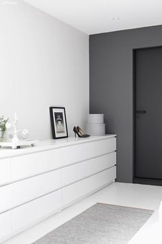 'Minimal Interior Design Inspiration' is a biweekly showcase of some of the most perfectly minimal interior design examples that we've found around the web - Interior Design Examples, Interior Design Inspiration, Design Ideas, Bedroom Inspiration, Interior Sketch, Web Inspiration, Design Design, Design Projects, Home Bedroom