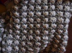 Sciarpa punto stella a due colori realizzata da giuseppina ceraso https://crocettando.wordpress.com/2014/12/14/punto-stella-a-due-colori/
