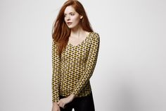 V-neck flower print top from the UNIQLO x Orla Kiely HeatTech collection. #UNIQLOOrlaKiely
