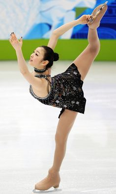 Please visit our website for Ice Skating, Figure Skating, Figure Ice Skates, Kim Yuna, Beautiful Girlfriend, Dynamic Poses, Olympic Champion, Beautiful Costumes, Sporty Girls
