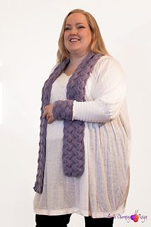 This is Heart´s Delight, knitted in Thin Alpaca colour no. 182 - light lavender (Du Store Alpakka). Worked with reversible cables. Pattern available in English and Norwegian.