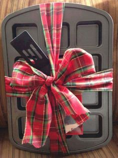 Gift Set, Pampered Chef Brownie Pan, Nylon Spatula, and Season's Best Cookbook all for $25!! pamperedchef.biz/Stephanienancarrow