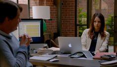Apple MacBook laptop – Silicon Valley TV Show Scenes Silicon Valley Tv Show, Amanda Crew, Comedy Tv Series, Laptop Brands, Apple Brand, Macbook Laptop, Apple Inc, Tv Shows, Entertaining