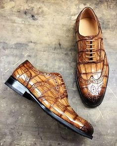 Alligator Brogue Wingtip Dress Shoes - Men Dress Shoe - Ideas of Men Dress Shoe Best Dress Shoes, Dress With Boots, Gents Fashion, Mens Fashion Shoes, Best Shoes For Men, Men S Shoes, Gentleman Shoes, Metallic Shoes, Classy Men