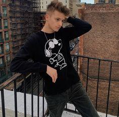 Mark Thomas, Christmas Sweaters, Hipster, Punk, Instagram, Style, Fashion, Moda, Fashion Styles