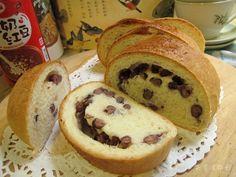 紅豆麵包。泰山八寶粥