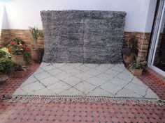 beni ourain,azilal,boucharouite,morocco/wedding blanket by moroccowool Berber Carpet, Berber Rug, Parlor Room, Beni Ourain, Shades Of Black, Geometric Shapes, Shag Rug, Moroccan, Traditional