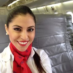 Stewardess, Bienvenidos!  #aviation #aviationlovers #crewlife #crew #flight #flightattendant #flighthostess #aeromoza #airport #airline #lima #peru
