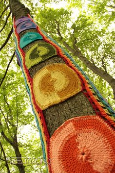 chakra yarn bomb << #yarnbombing #yarnstorming #graffiti knitting – Seen on Pinterest, loved and repined by Craft-seller.com.
