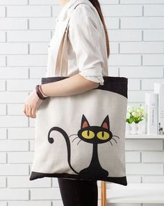 Hemp green shopping bag (Ursus cat) - Home Decor embroidery sweets embroidery inspiration embroidery beautiful Painted Bags, Diy Tote Bag, Cat Bag, Jute Bags, Patchwork Bags, Denim Bag, Cloth Bags, Handmade Bags, Canvas Tote Bags