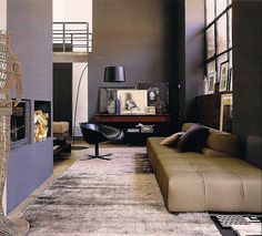 Modern Sofa Design Ideas from B Italia : Soft Beige Sofa and Black Lounge Chair in Grey Painted Walls Classy Living Room Classy Living Room, Living Room Grey, Living Room Interior, Home And Living, Modern Living, Modern Couch, Small Living, Deco Salon Design, Modern Interior