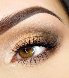 20 idées de maquillages pour sublimer les yeux marrons : nude