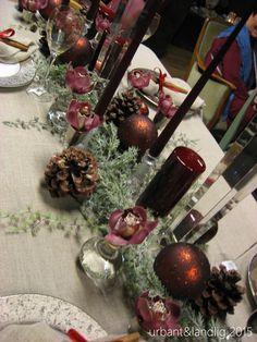 Interiør - inspirasjon - det nærmer seg advent og Blomsterlise dekker julebord