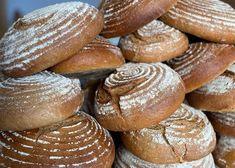Sauerteig - Backen mit Christina Hamburger, Bread, Food, Rye Bread, Baking Tips, Ring Cake, New Recipes, Brot, Essen