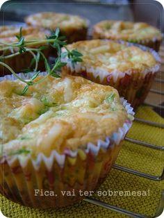 Fica, vai ter sobremesa!: Muffin de abobrinha e queijo.  Mais uma delícia linda da querida Mirella!