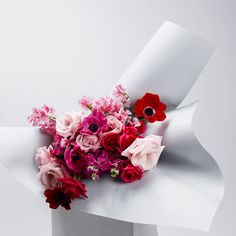 A florists choice - the best of the days market selection. We choose the finest seasonal blooms using this image as our inspiration. Bunch Of Flowers, Pretty Flowers, Colorful Flowers, Pink Flowers, Floral Bouquets, Wedding Bouquets, Wedding Flowers, My Flower, Flower Art