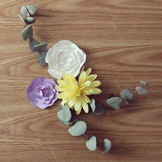 Bon samedi mes petits chats  #flowers #handmade #paper #paperflowers #diy #tiboudnez