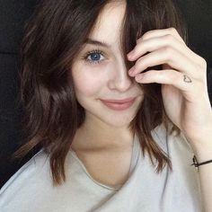 Natural look, auburn hair tone - LadyStyle Acacia Brinley, Selfies Poses, New Hair, Your Hair, Acacia Clark, Auburn Hair, Tabata, Fair Skin, Natural Looks