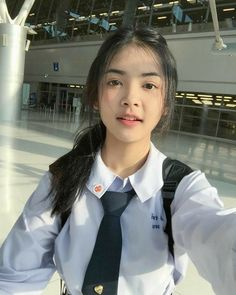 Ulzzang Korean Girl, Cute Korean Girl, Cute Asian Girls, Cute Girls, Beautiful Japanese Girl, Beautiful Gorgeous, Beautiful Asian Women, Girl Photo Poses, Girl Photos