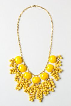 Lemon Zest Confetti Necklace - I wish and Dot had a yellow statement necklace! Beads Jewelry, Stone Jewelry, Diy Jewelry, Jewelry Box, Jewelry Accessories, Fashion Accessories, Fashion Jewelry, Jewelry Making, Yellow Necklace
