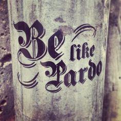Estamos regalando stickers a todos los que vengan a nuestra tienda!  Be like Pardo! (at Pardo)