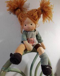 Pippi again 🙃#pippilongstocking #handmadedoll #waldorfpuppe #poupeewaldorf #ecofriendly #childhood #waldorfdoll #creativelife #textiledoll #bemkadolls