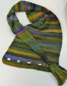 Poncho Knitting Patterns, Shawl Patterns, Knitting Yarn, Crochet Patterns, Tunisian Crochet, Crochet Poncho, Crochet Scarves, Diy Crafts Crochet, Crochet Art