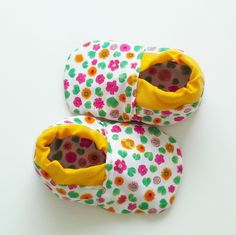 Pink,yellow,flower baby shoes,babygirl booties,soft sole baby shoes,toddler shoes,yellow baby shoes,vegan baby shoes, crib shoes,baby gift by ieclectic on Etsy