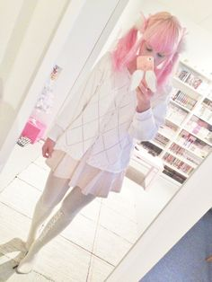 I'm sorry I have been lazy with posting my outfits lately. I don't feel like posting this many outfits separately anymore so let's post them all together then. Pastel Goth Fashion, Hipster Fashion, Kawaii Fashion, Lolita Fashion, Asian Fashion, Fashion Beauty, Pretty Outfits, Cute Outfits, Kawaii Hairstyles