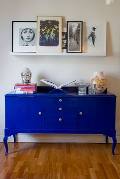 Love this bright cobalt blue vintage console!