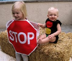 Looking to make homemade Halloween costumes for your kids? We love these Stop and Go Kids Costumes because they go together but aren't too matchy-matchy. You're sure to get more than a few compliments on these clever DIY kids Halloween costumes! Diy Halloween Costumes For Kids, Creative Costumes, Cute Costumes, Holidays Halloween, Costume Ideas, Party Costumes, Spooky Halloween, Homemade Costumes, Halloween Disfraces