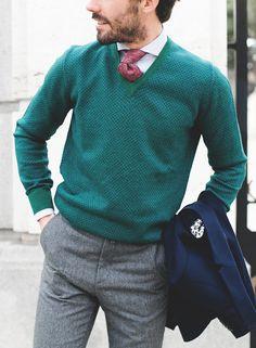 Men look with SOLOiO pullover  Mytie: Mfshow Men Favorite Snapshots www.soloio.com #manlook#streetstyle#mordovas#green#pullover#jumper#jersey#wool#green#menstyle#menfashion#menswear